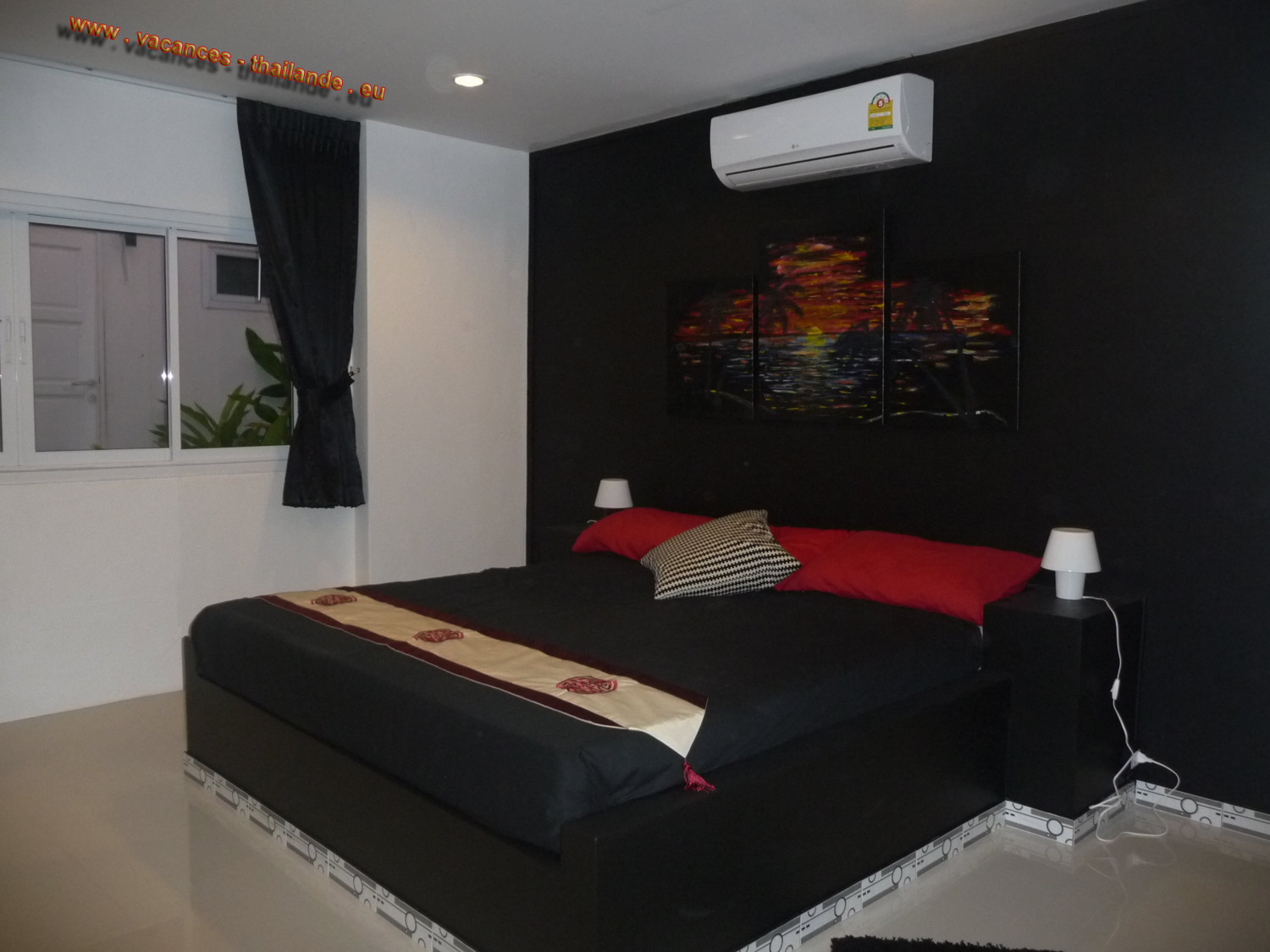 holiday-thailand house with the red room and double bed with 1.5 m rented scooters for your problem without displacement,